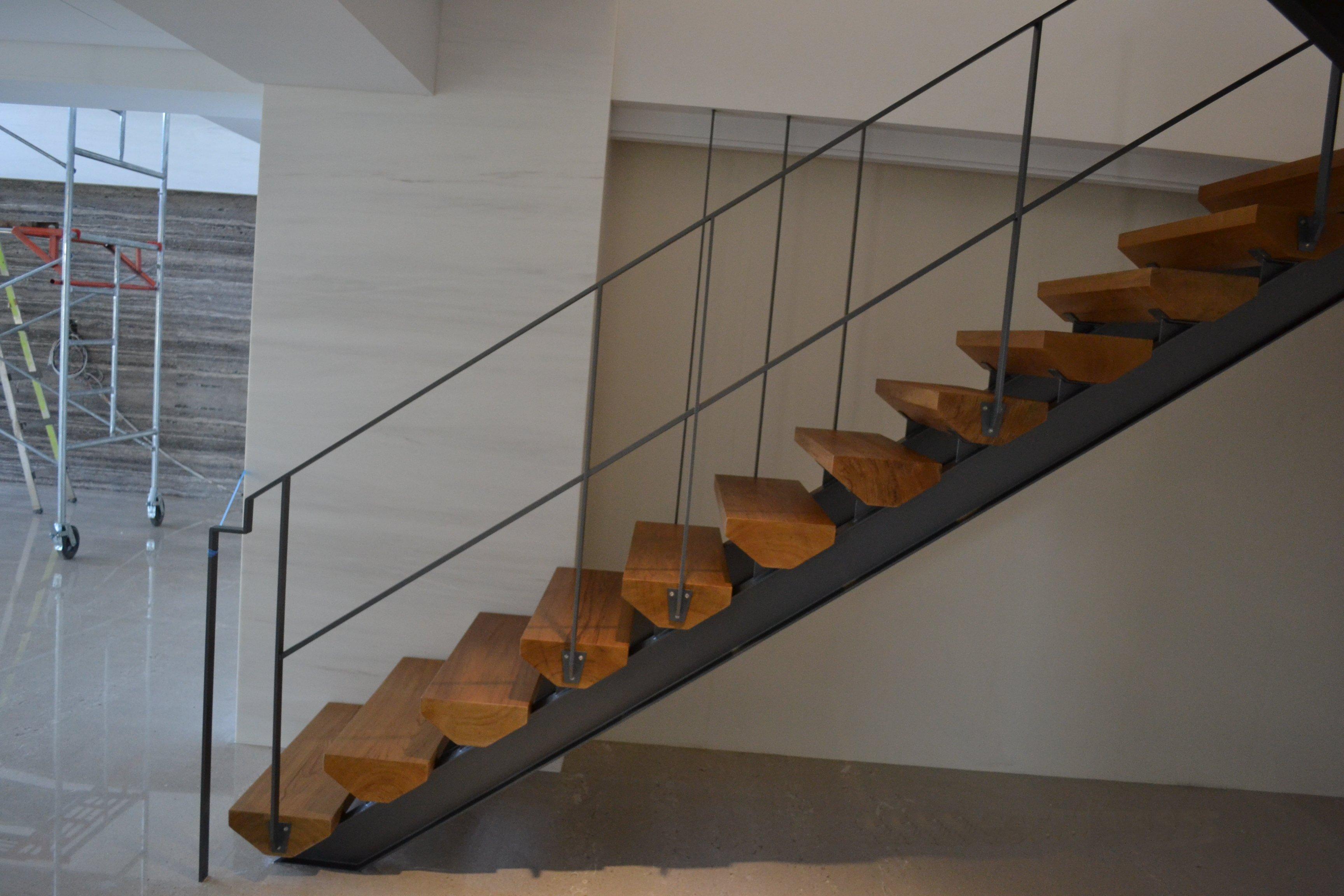 新原古-緬甸柚木 菱形樓梯踏板