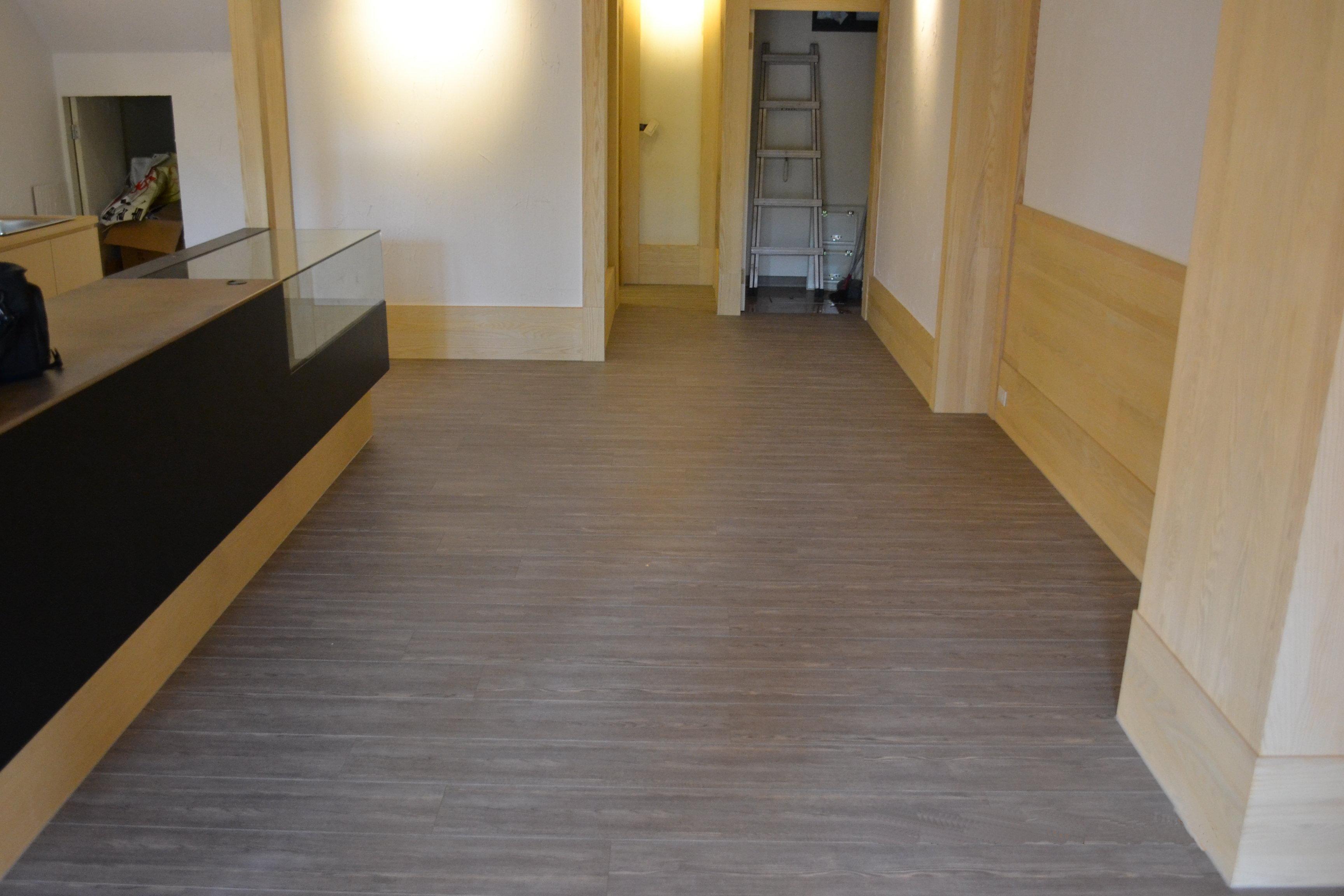 美耐板超耐磨地板 時尚自然紋 禪風古橡