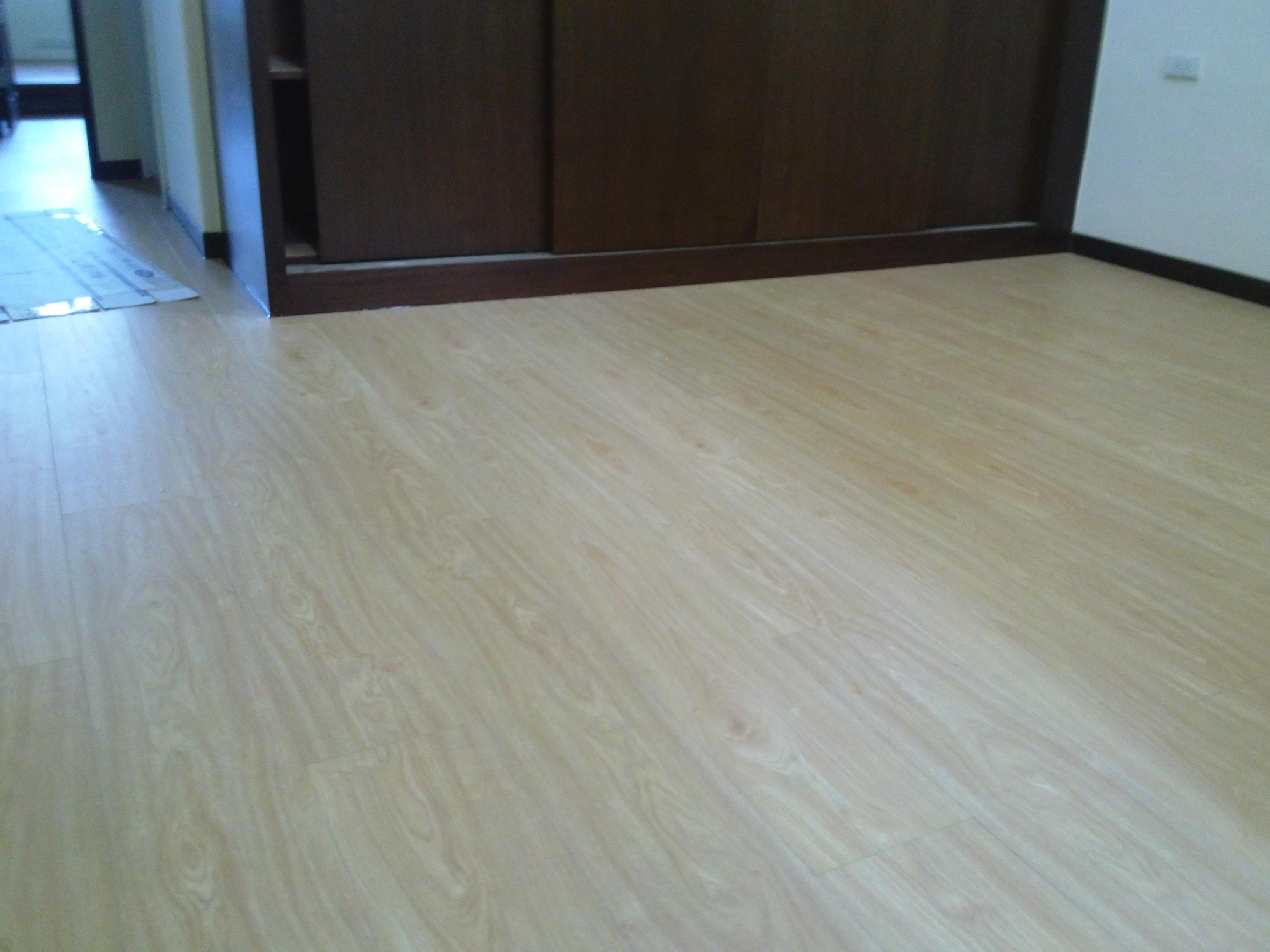 超耐磨地板同步立體紋 馬德雷