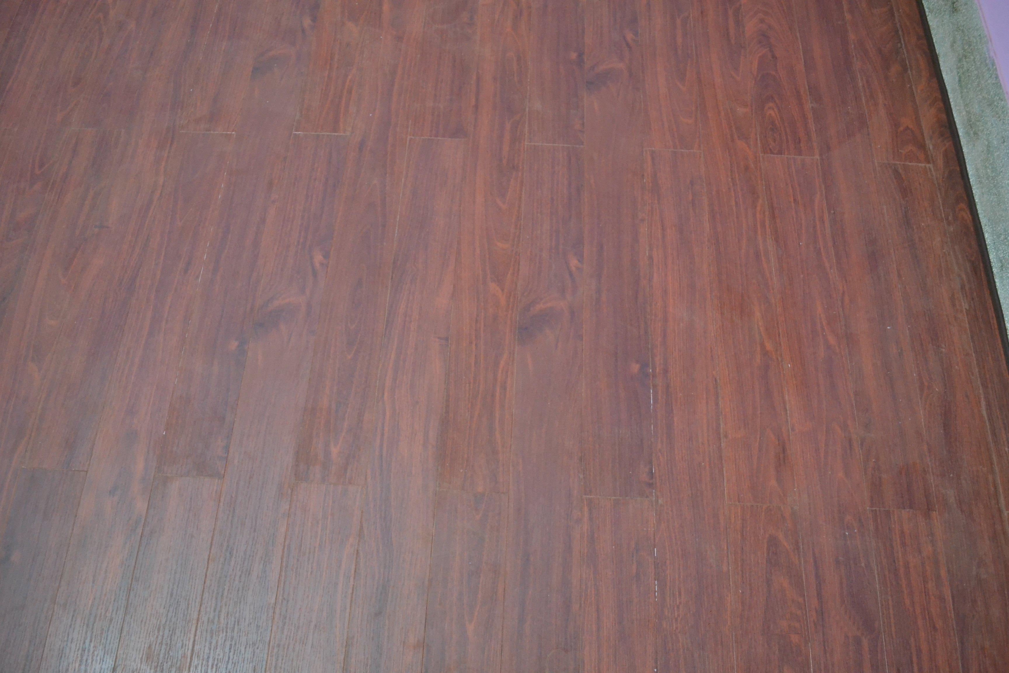 Robina 超耐磨地板 昆士蘭刺槐AC12RC(台中)