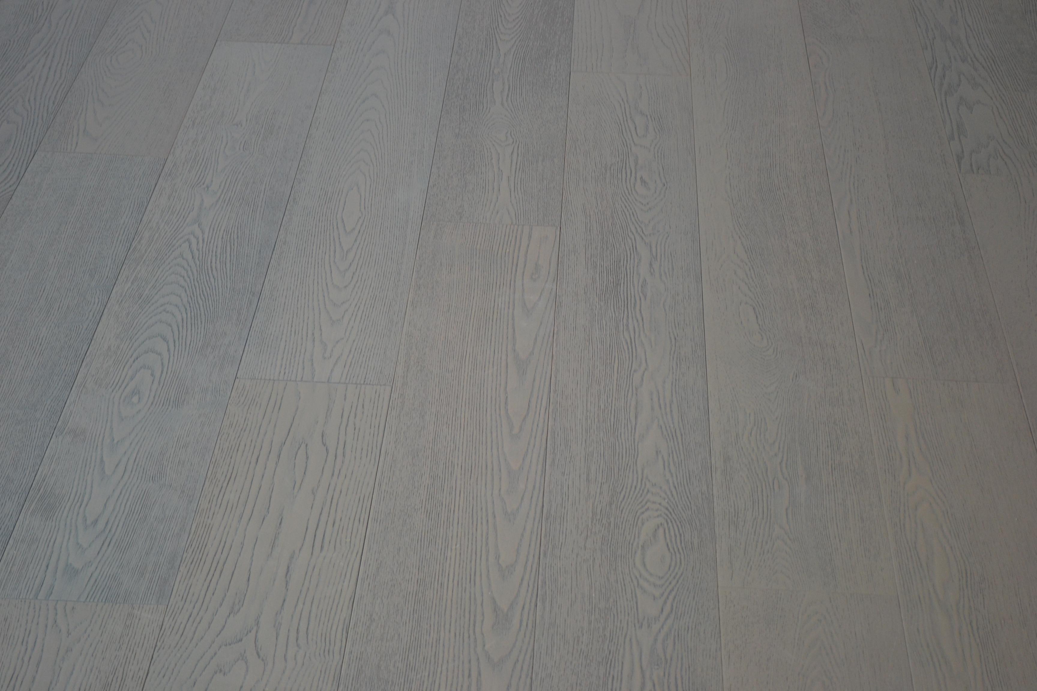 原古-藝術拼接 北美白橡浮雕導管灰厚單片300條海島型複合地板 九夾樺木基材