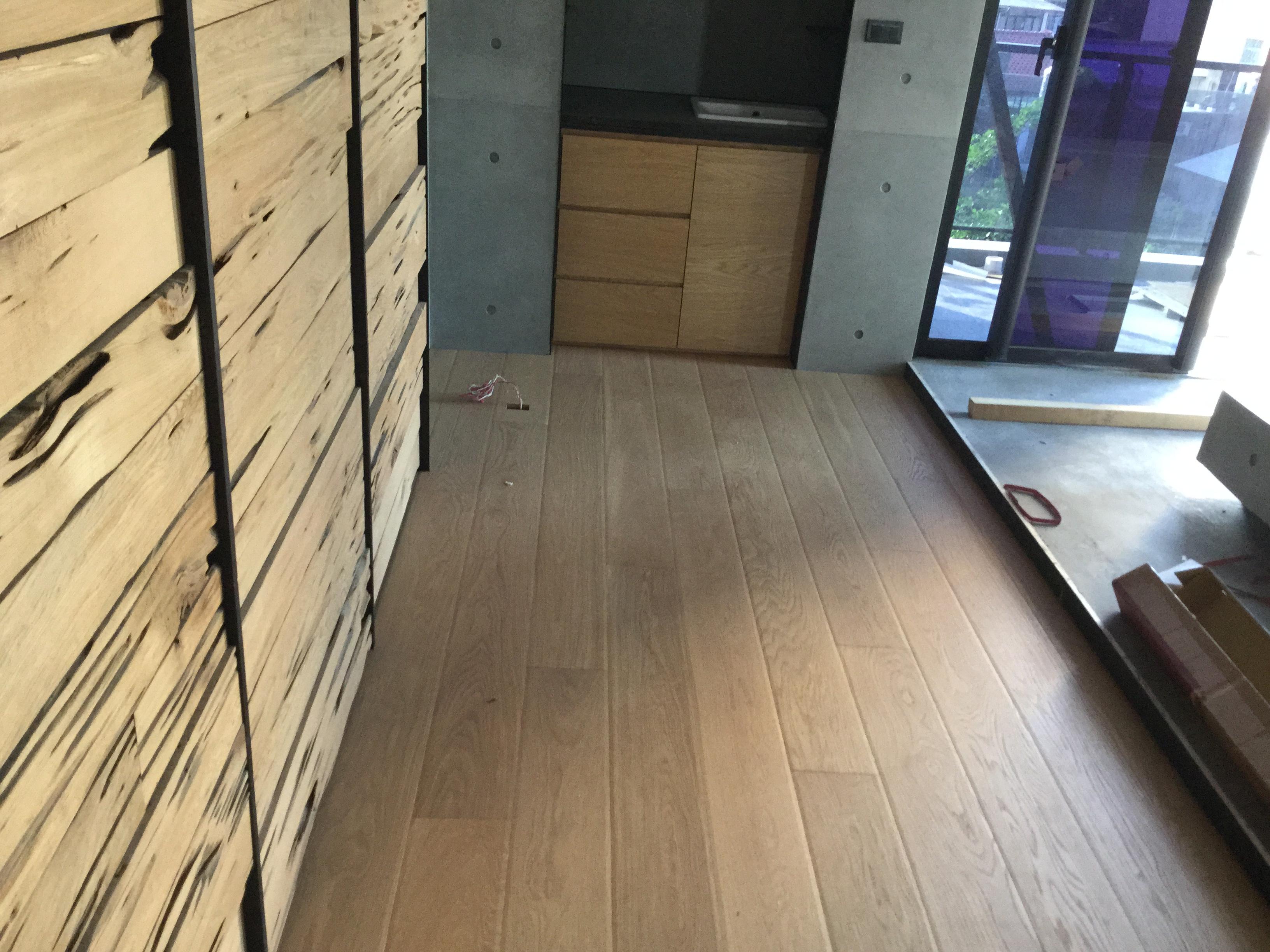 新原古-北美橡木海島複合地板(大倒角./浮雕)