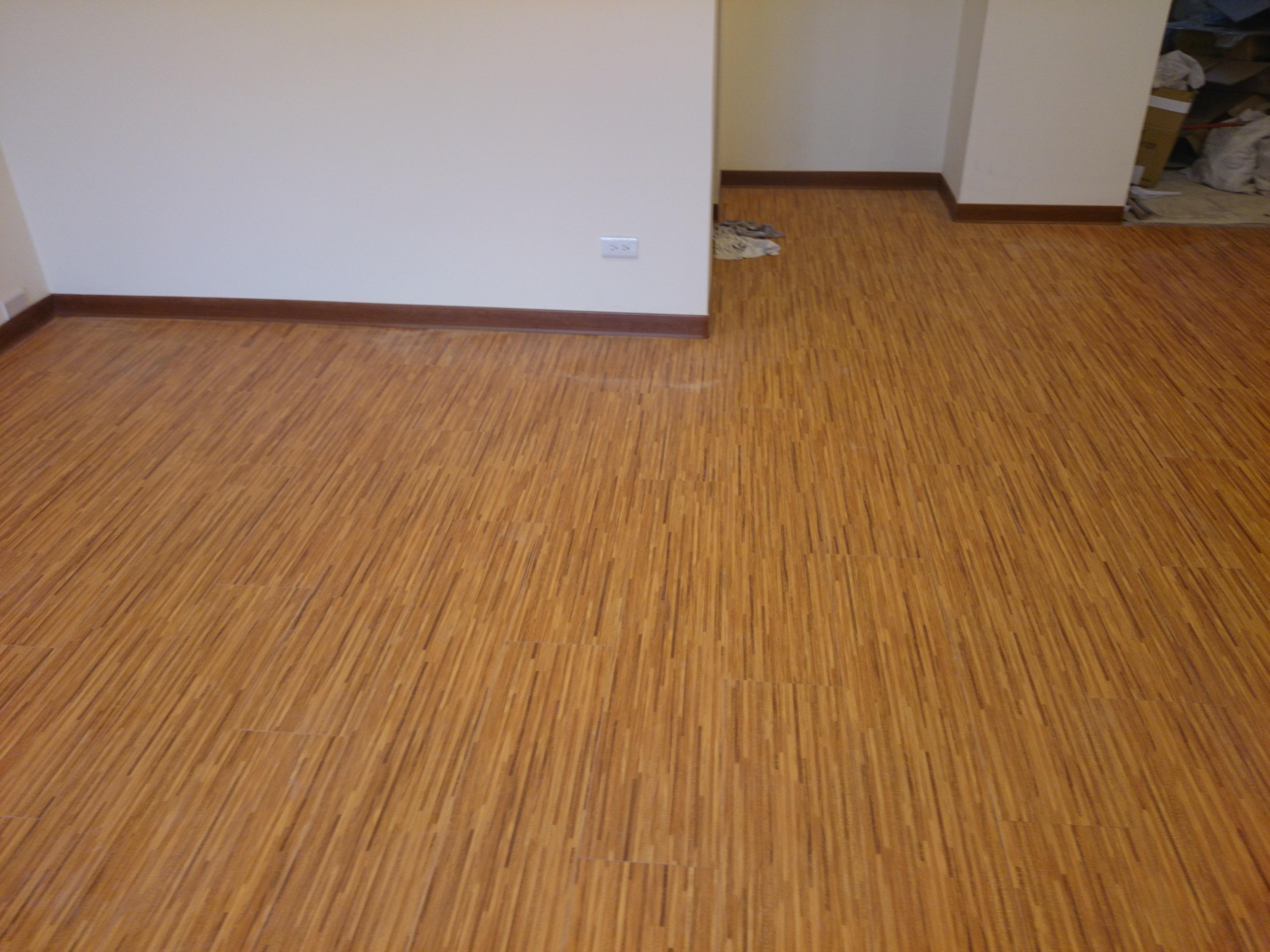 7.8寸超耐磨地板 時尚自然紋 相思柚木拼接