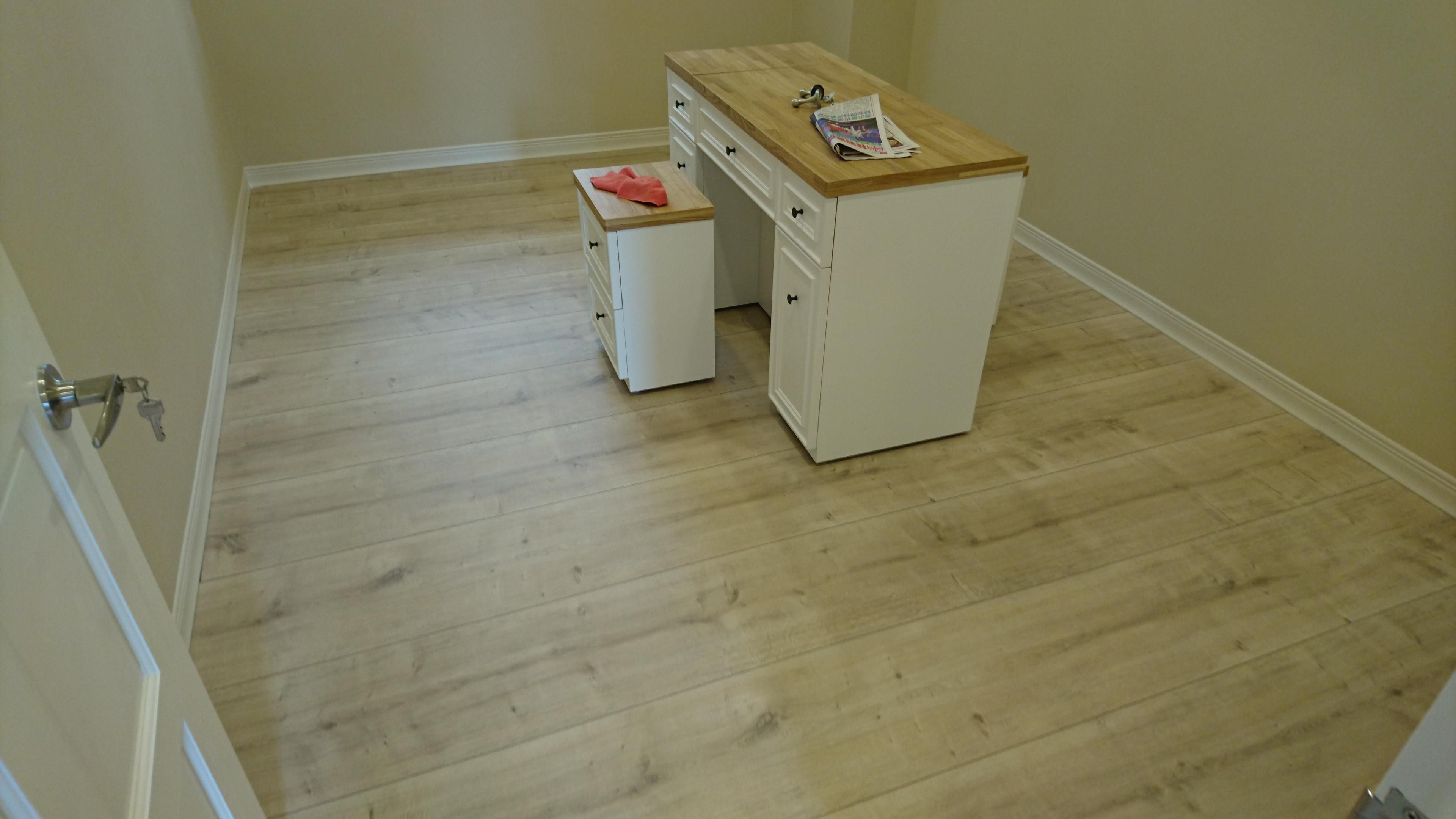 Egger 超耐磨地板 寬版奶油橡木(2v倒角端頭無縫無限延伸)(新北三重)