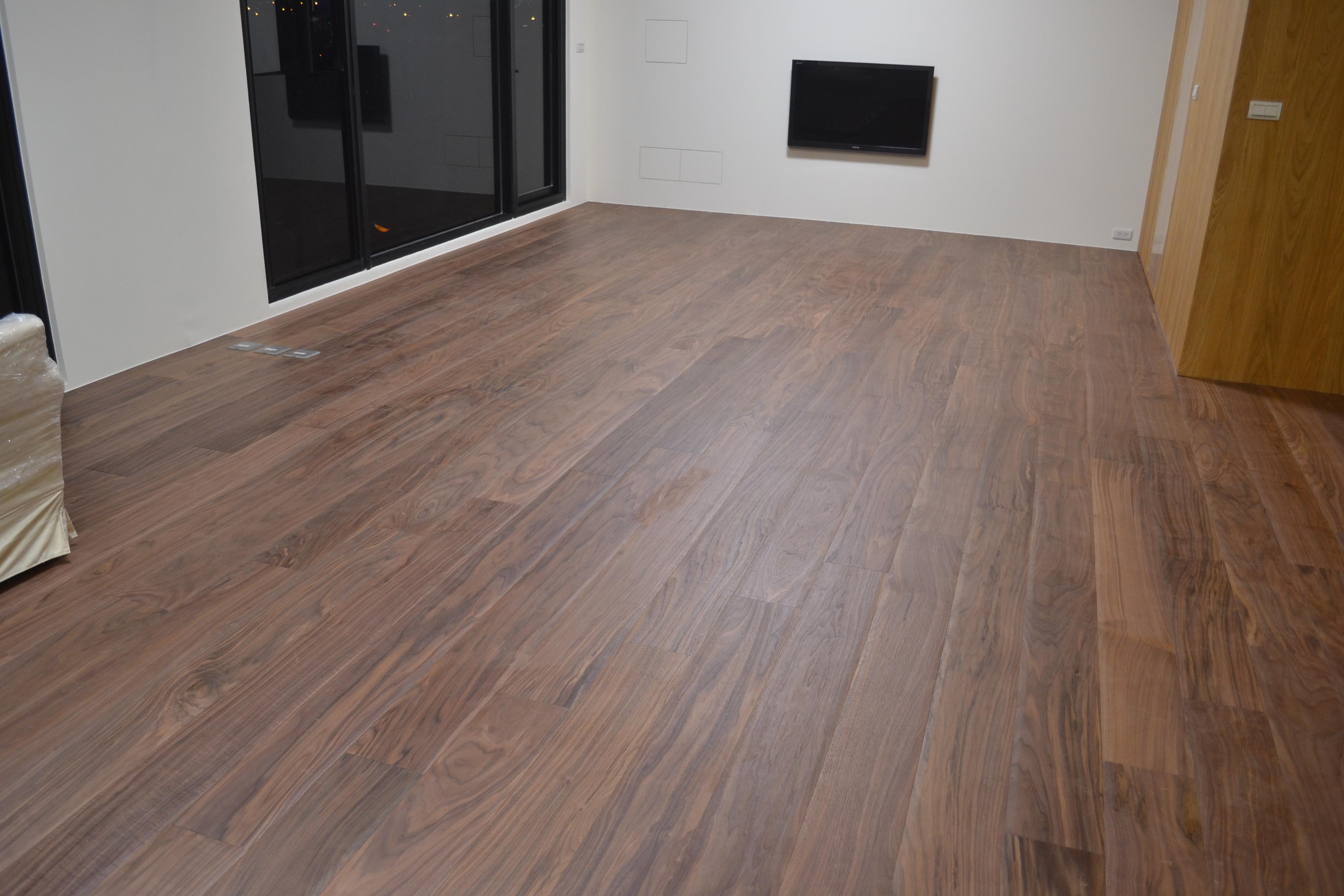 北美胡桃6寸300條大倒角客製化海島型複合地板